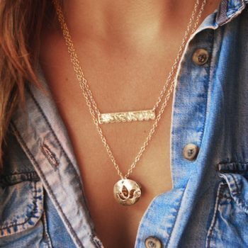 Lace Bar Necklace in 18KT Yellow Gold