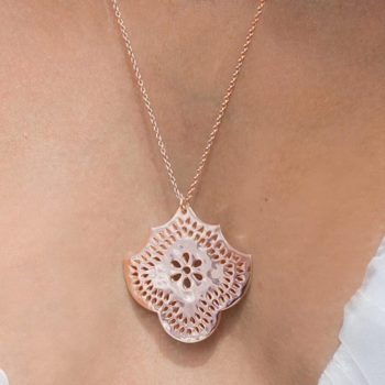 Long Necklace with Flower Pendant in Rose Gold