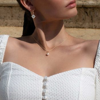 Pearl Necklace 18 KT Yellow Gold
