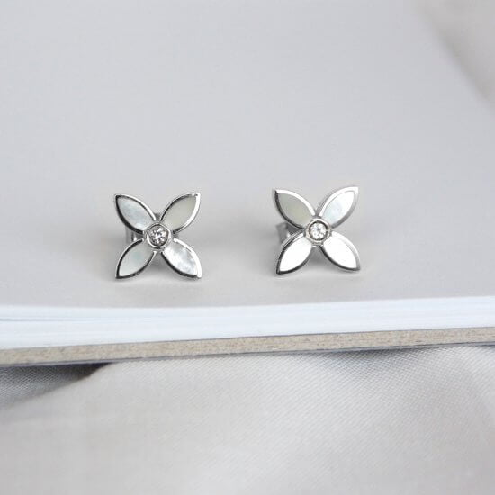 Flower Studs sterling silver mother of pearl